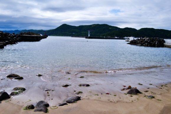 漁港は砂地のようです。