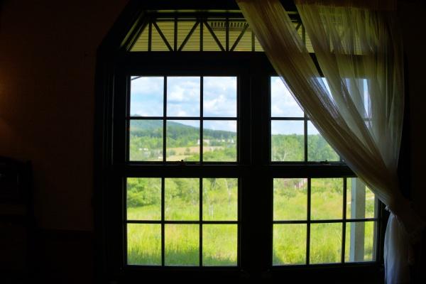 窓の向こう。これまた絵になる。