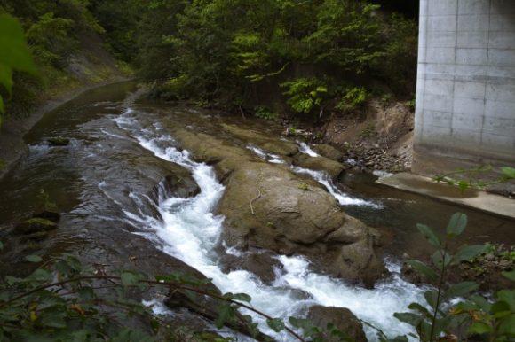 これは三段の滝ではない。