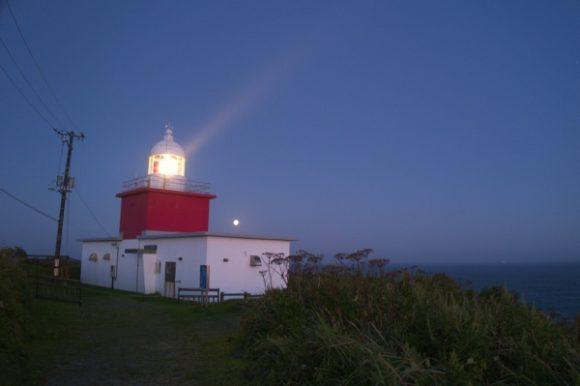 霧多布・湯沸岬灯台