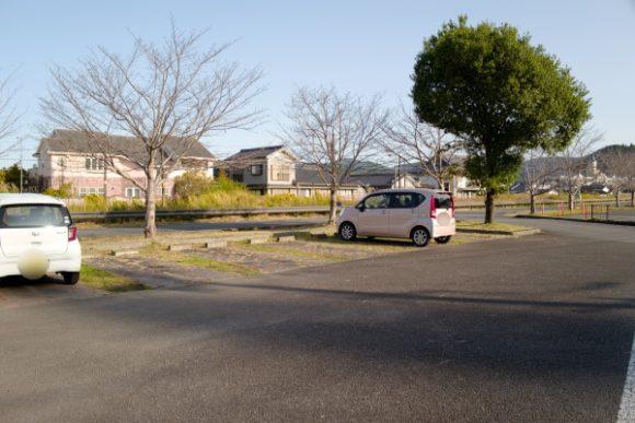 歴史広場近くの駐車場。