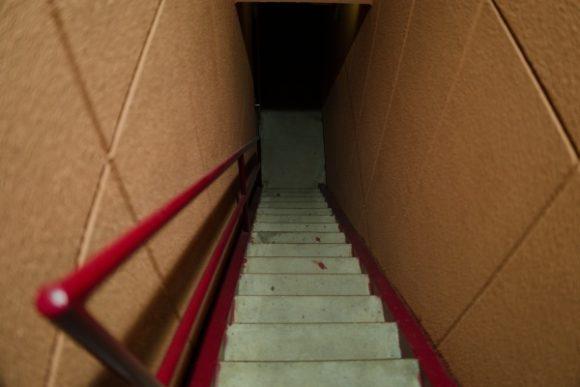 地下の部屋は権な感じなんだろう・・・