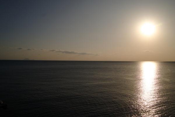 東シナ海に沈む太陽。