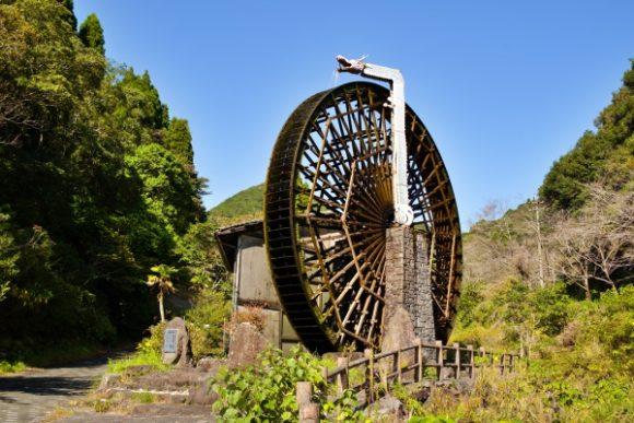 高さ13.2メートルの巨大水車