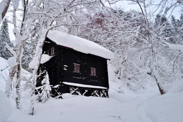 北海学園大学が管理する冷水小屋。