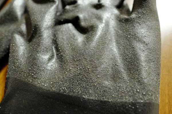 手袋の表面部分。