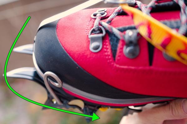 金具が靴の曲線に合っている。