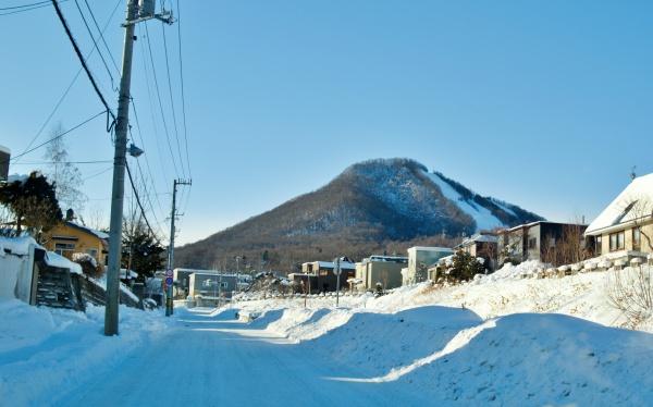 フッズスキー場の山が見える。