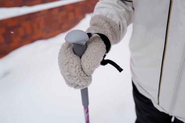 手袋を履いていても握りやすい。
