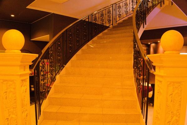 神殿のような階段