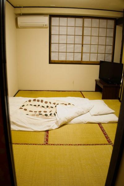 渋い和室の部屋。