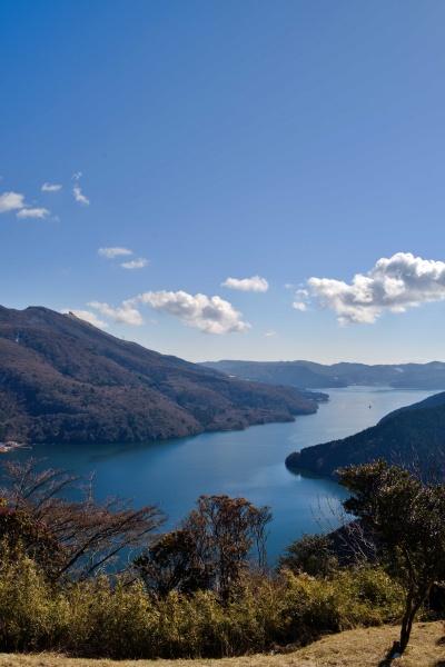 芦ノ湖の向こうまで歩くのかぁ・・・