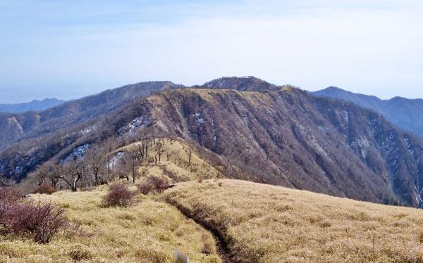 来た道を引き返す。景色が良くて本当に楽しい登山だったなぁ。