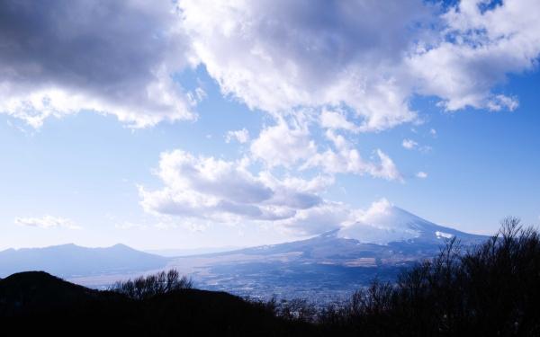 爽やかな青い富士山