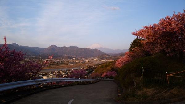 箱根方面。富士山もきれいに見える。