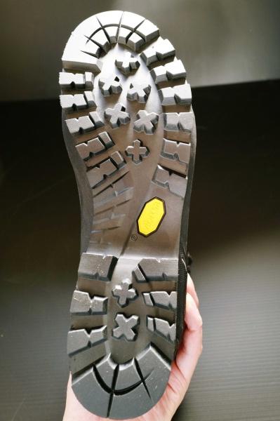 靴底部分。この角度からじゃちょっとわかりにくい(^^;
