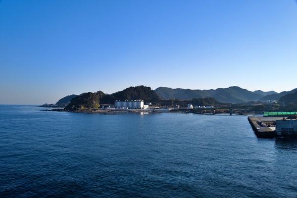 スイスイ東京湾を進みます