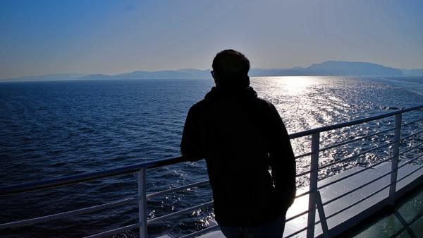 「なみだは人間の作るいちばん小さな海です」by寺山修司