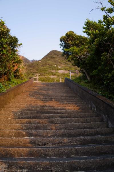 帰りは階段を上るよ。