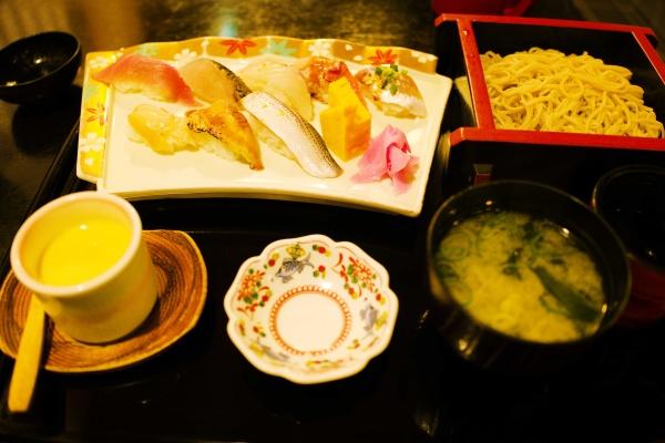 おまかせ寿司セット1500円