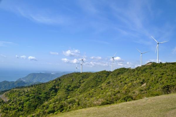 東伊豆町風力発電所も見渡せる。