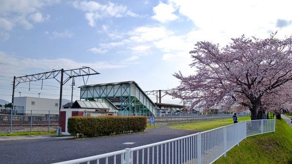 改札口が一つしかない岩瀬駅。