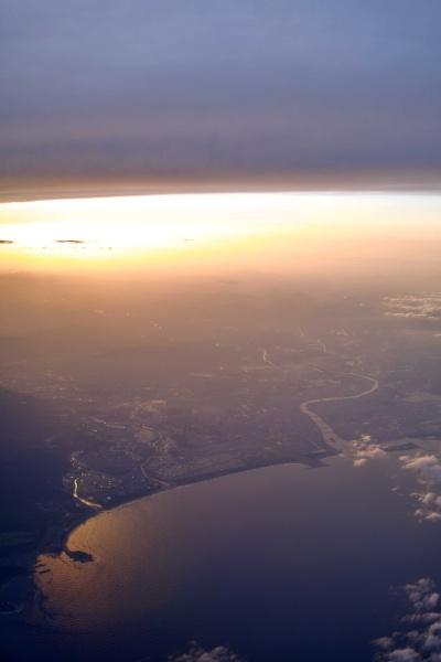 夕日がきれいな夕暮れフライト