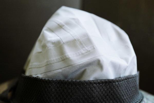 ハット裏面の素材。サラッとしていて蒸れない。