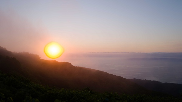 ドンデン山荘から見る朝日