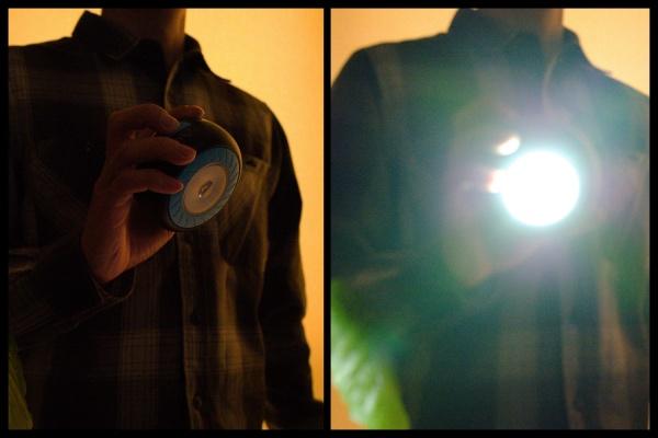懐中電灯は眩しくもある。