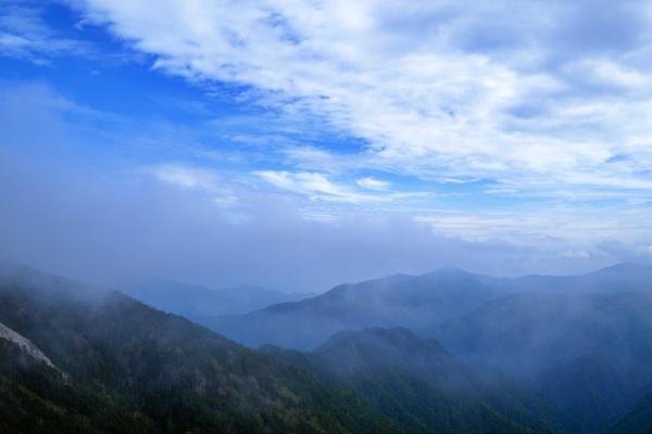 雲海と爽やかな空。