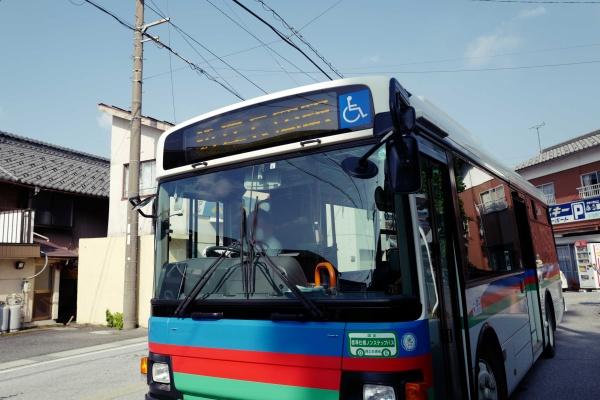 登山口の近くまでバスで行ける。