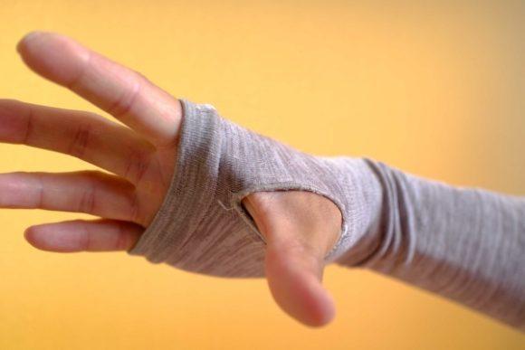 親指の付け根が痛くなることもあった。