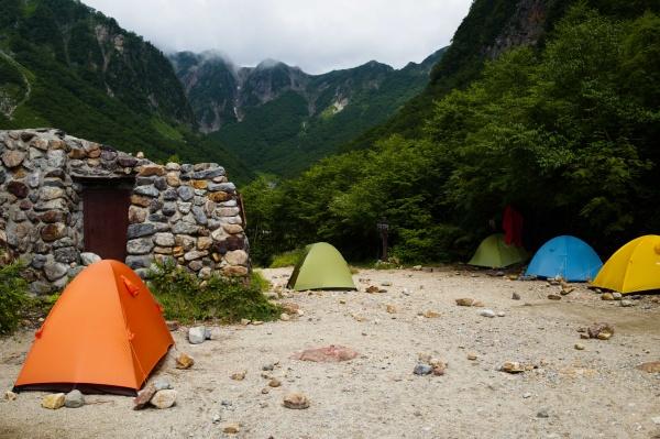 ひっそりとしてよさげなテント場。