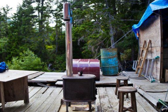 デッキにある薪ストーブ