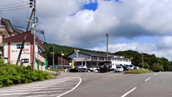 猪苗代スキー場。手前に駐車場