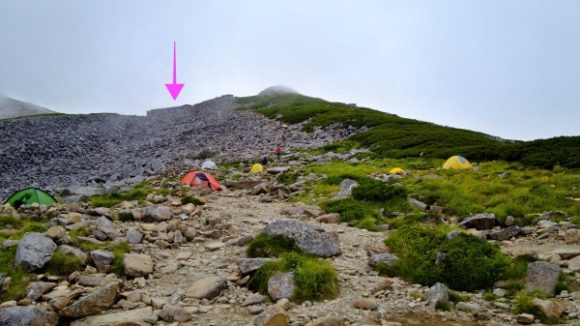 矢印の位置に笠ヶ岳山荘