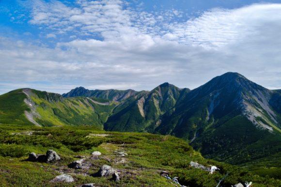 左から祖父岳、赤牛岳、水晶岳、鷲羽岳