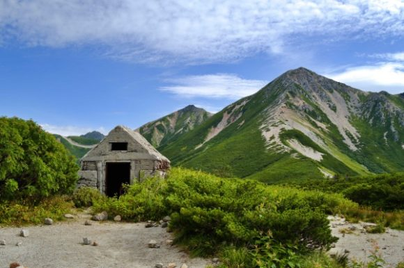 三俣山荘近くに廃屋?があった。