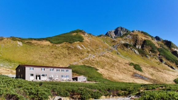 剣山荘と剱岳のてっぺん