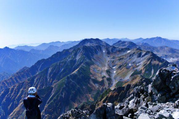 北アルプスの秀峰にぐるりと囲まれている。