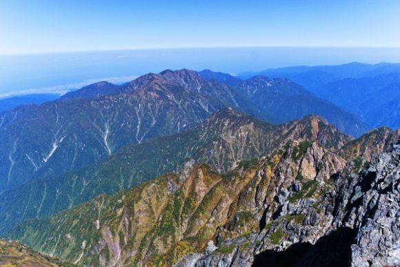 毛勝三山方面の景色